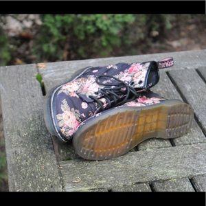 Dr. Martens Shoes - Doc martens - floral canvas, women's US 6, EU 37